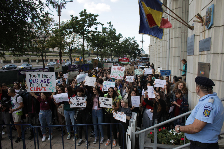 BUCURESTI - CLIMATE STRIKE ROMANIA - 20 SEPT 2019
