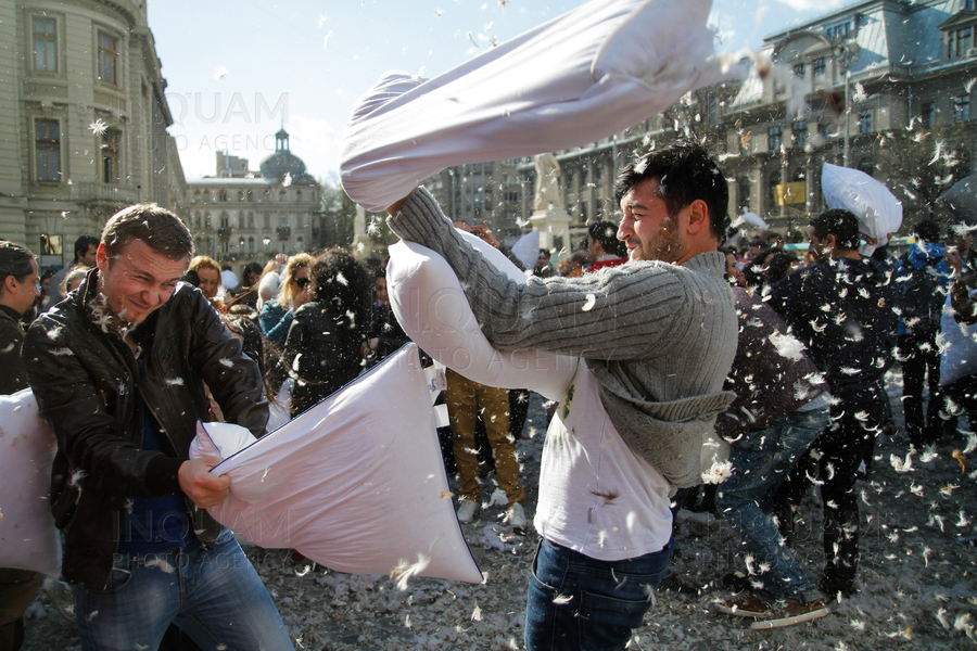 INTERNATIONAL PILLOW FIGHT DAY - BUCURESTI